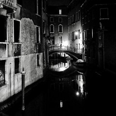 ALONE AT NIGHT (bhs-photo) Tags: bnw noiretblanc schwarzweis monochrome street venezia venise venedig venice night knighthood lightandshadows leica leicaq reflection