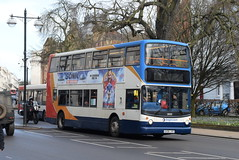 SW 18403 @ Dormer Place, Leamington Spa (ianjpoole) Tags: stagecoach warwickshire dennis trident alexander alx400 kx06jye 18403 working route x17 coventry transport museum warwick bus station