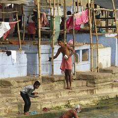 varanasi 2017 (gerben more) Tags: varanasi benares ganga ganges ritualbathing ritual people india