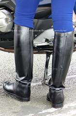 "bootsservice 19 2150830 (bootsservice) Tags: armée army uniforme uniformes uniform uniforms bottes boots ""ridingboots"" moto motos motorcycle motorcycles bmw motard motards biker motorbike gendarme gendarmes ""gendarmerienationale"" ""14juillet"" ""bastilleday"" invalides paris"