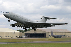 XV109 VC-10 RIAT 2004 (John Higgins (EF)) Tags: aviation aviationphotography 10squadron raffairford rafbrizenorton vc10 vickers vickersvc10 vc10c1k tanker militaryaviation militarytanker riat2004 riat royalinternationalairtattoo xv109 royalairforce canon canonphotography