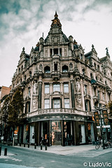 Architecture d'Anvers (Lцdо\/іс) Tags: anvers antwerpen antwerp belgique belgium belgie belgian belge belgica architecture architektur street house rue ville visit town lцdоіс flamande flandre flanders vlanderen vlaams travel citytrip