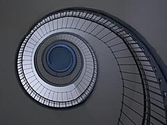 Staircase XXVI (up) (Ralf Muennich) Tags: staircases treppenhäuser treppenhaus schnecke spirale spiral wendeltreppe spiralstaircase