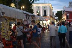 Night market on the Plaza Grande, Mérida (TravelKees) Tags: mexico merida yucatanpeninsula luca anouk nightmarket plaza dusk twilight