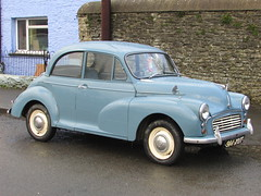 Morris Minor 1000 (Andrew 2.8i) Tags: carspotting spotting street car cars streetspotting united kingdom wales classic classics british saloon sedan bmc 1000 minor morris