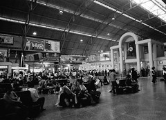 Railway station Hua Lamphong (Drehscheibe) Tags: station bahnhof analogica blackwhite bwfp 35mm film hp5plus ilford nikonf2 nikkor35mm explore
