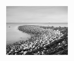 Kvalneset (rockallkalle) Tags: kvalneset giske long exposure black white seascape canon