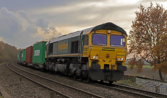 66505 - Haxey (Andrew Edkins) Tags: 66505 class66 shed freighttrain freightliner canon geotagged light haxey northlincolnshire england uk containers 4e23 intermodal railwayphotography footcrossing type5 tree autumn november 2019