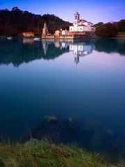 Niembro (Berti´s world) Tags: paisaje landscape iglesia church niembro llanes asturias ria amanecer sunrise