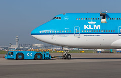 PH-BFS (Mathias Düber) Tags: klm airplane airplanes flugzeug plane planespotter canon aircraft luftfahrt aviation planespotting spotting airbus planes boeing flugzeuge fokker cargo airlines businessaviation avionik airline airways runway taxiway terminal jetliner engine
