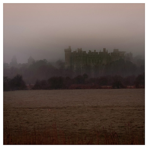 Misty Arundel Castle