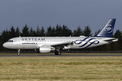 F-GKXS Air France 'Skyteam' Airbus A320-214 at Edinburgh Turnhouse Airport on 16 February 2020 (Zone 49 Photography) Tags: aircraft airliner aeroplane february 2020 edinburgh scotland egph edi turnhouse airport fr afr airfrance air france airbusa320 airbus a320 200 214 fgkxs skyteam