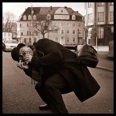 Tom Klein   wet plate photographer Trier (Claudio Taras) Tags: taras trier tomklein shadow street sepia bw bokeh biancoenero luci leica hasselblad501cm hasselblad hp5 rodinal portrait monocromo mediumformat medioformato claudio controluce stranger planar 80mm 120 6x6 film