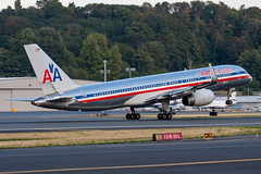 2009_09_13 KBFI stock-13 (photoJDL) Tags: 757 757200 americanairlines americanairlines757 bfi boeing757 jdlmultimedia jeremydwyerlindgren kbfi aircraft airline airplane airport aviation