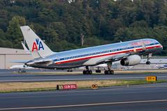 2009_09_13 KBFI stock-14 (photoJDL) Tags: 757 757200 americanairlines americanairlines757 bfi boeing757 jdlmultimedia jeremydwyerlindgren kbfi aircraft airline airplane airport aviation