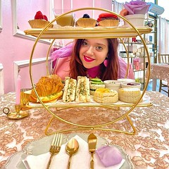 Reposted from @visualunicorn New Violette Set 💖💕✨ . 🌟 RSVP ✅ www.roseandblanctearoom . . #teatime #teaparty #losangeles #hollywood #hollywoodlife #glendale #pasadenafoodie #pasadenacalifornia #pas (Rose & Blanc Tea Room) Tags: party venue bridal shower baby tea room house