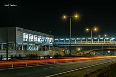 Estación de metro Condequinto (Raul Espino) Tags: estelas estelasdecoches nocturna luces urbana metro sevilla canon6dmarkii canon estacióndemetro fotografíanocturna