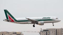 Alitalia A320, EI-IKB, TLV (LLBG Spotter) Tags: aircraft a320 tlv eiikb alitalia airline llbg