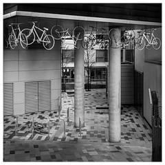_DSF5762-Mr-2 (gillesporlier) Tags: bicycles nikon d850 londres bnw monochrome city ville suspension isolation particular particulier art urban urbain strange etrange