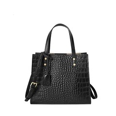💎 LRT Genuine Leather Women Handbags 💎 By Queen in love Boutique ► See more at ▷ https://queeninlove.com ◀︎ 🔥 * Main Material: Genuine Leather * Genuine Leather Type: Cow Leather * Shape: Flap * Occasion: Versatile * Model Number: QIL 2304 :f (queeninlove.boutique) Tags: clutches bags backpacks