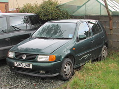 Volkswagen Polo CL 1.4 (Andrew 2.8i) Tags: carspotting spotting street car cars streetspotting united kingdom wales classic classics german hatch hatchback compact sub subcompact mini super supermini 14 1400 cl 14cl mark 3 iii mk mk3 polo vw volkswagen