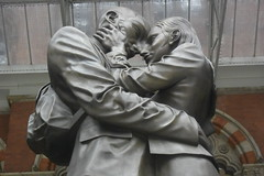 #FlickrFriday - Hold Me Tight (TravellingMiles) Tags: statue embrace soulmates flickrfriday