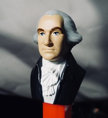 President George Washington PEZ Dispenser 7857A (Brechtbug) Tags: 2020 us president george washington pez dispenser 1st first prez presidents portrait candy bust toy toys 1732 1799 united states general military revolutionary war commander chief february birthday