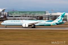 Etihad Airways B787-10 DreamLiner A6-BMH @ MUC (MASAviation) Tags: aviation avgeek spotter munichairport muc mucmoments mucmovements airbus boeing etihad etihadairways boeing787 dreamliner b787 greenliner