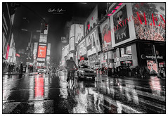 Rain in the Big Apple (Oguzhan Amsterdam) Tags: new york city big apple rain rainy wet reflection monochrome black white bw color red manhattan outdoor urban citycentre oguzhan ceyhan photography usa