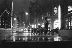 (nothingbeatsfilm) Tags: leica m6 summicron 35mm asph ilford hp5 pushed iso1600 reflecta rps10m analog film analogue blackandwhite streetphotography nothingbeatsfilm