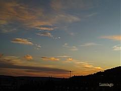 Los colores del atardecer  / Sunset colors (Lumiago) Tags: atardecer puestadesol nubesdeinvierno nubes cielos