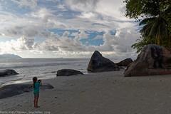 Future photographe ? (sabathius80) Tags: seychelles beach plages sand sable cloud nuages sea mer people personne paysage landscape pierreyves chesaux canon eos 7d mark ii beau vallon efs1585mm f3556 is usm