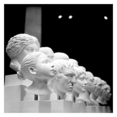 Diversity (irgendwiejuna) Tags: museum nopeople blackandwhite ilford hp5 120 6x6 caffenol caffenolch rolleiflex rolleiflexk4a mediumformat selfdeveloped sculpture
