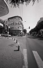 Tel Aviv (Valentine Kleyner) Tags: telaviv street israel city road bauhaus film bw urban ultarfinextreme400 fomadon foma leica voigtlander heliar 15mm