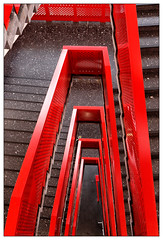 Red Staircase (frodul) Tags: architektur diagonale geländer gestaltung innenansicht konstruktion linie stair staircase stairrail stairway step treppe treppenhaus rot ni deutschland