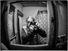 Miroirs / Mirrors / Espejos (La Chachalaca Fotografía) Tags: mirror espejo miroir fisheye ojodepez oeildepoisson olympus bnw penf blackandwhite blancoynegro oregon reflection reflejo reflet