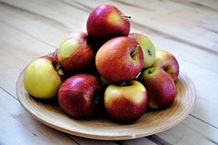 Apples in a bowl on wooden floor (pisces2386) Tags: wooden bowl top table background apples fruit basket apple red food healthy fresh wood organic diet nutrition floor isolated texture closeup garden autumn plate ripe vitamin harvest bio natural