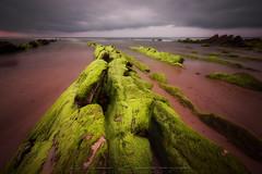 Heridas de la tierra (Fotografias Unai Larraya) Tags: salvaje barrika flysch playa arena tormenta atardecer paisajes naturaleza mar agua largaexposición