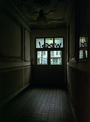 Berlin, Germany, February 2020. (wojszyca) Tags: fuji gsw680iii 6x8 120 mediumformat fujinon sw 65mm lomography color negative 400 epson v800 city urban berlin friedrichshain doorway corridor entrance exit