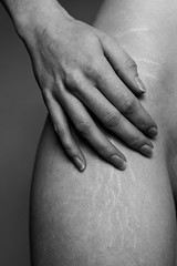 Human body (~ Jessy S ~) Tags: hands hand mains main body corps girl femme woman portrait portraiture selfportrait autoportrait naturallight light black gray grey white faceless monochrome nikon nikond750 d750 50mm 18 corp courbes curves simple natural emotion nikkor 50 mm f18 skin peau contraste constrast noir nb et blanc bnw blackwhite bw scars cicatrices vergetures stretch marks humain human part nikkor50mmf18 fullframe fx