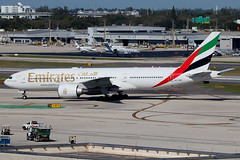 A6-EWE | Boeing 777-21HLR | Emirates (cv880m) Tags: fll kfll lauderdale fortlauderdale ftlauderdale florida aviation airliner airline aircraft airplane jetliner spotting planespotting a6ewe boeing 777 77l 772 777200 77721h lr longrange emirates expo2020 dubai triple7 tripleseven