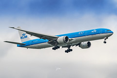 KLM Royal Dutch Airlines Boeing 777-300ER (aeronavi) Tags: klm klmroyaldutchairlines koninklijkeluchtvaartmaatschappij airfranceklmgroup royaldutch kl phbvk kl835 2002livery skyteam skyteamalliance 5thfreedomflight fifthfreedomflight ams amsterdam amsterdamschipholairport schiphol eham netherlands dutch royaldutchairlines europe european sin changi changiairport wsss singapore southeastasia boeing boeing777 b777 boeing777300er b777300er jumbojet superjet widebody landing arrival ge generalelectricengine ge90 generalelectricge90 sony sonyalpha sonya7riii a7riii a7r3 sonya7r3 sonysingapore lightroom photoshop plane planespotting aircraft airplane avgeek aviationphotos aviationphotography aeroplane planephotos planephotography airplanephotography aviationlovers aircraftphotography airspace planespotter jetplane airport airliner jetphoto airlinephoto livery airlinelivery flight