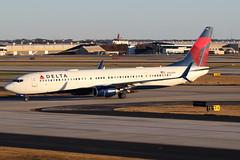 N802DN - Delta Boeing 737-900ER (AndrewC75) Tags: atl atlanta hartsfield jackson international airport airplane aircraft aviation plane airliner boeing airline jet b737900er 737900er b737 b737900 737900 b739 twin