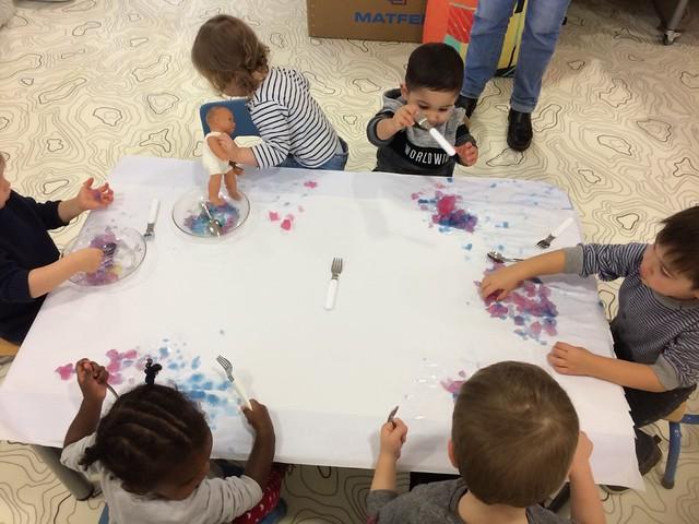 Photo 1 - Activités à la crèche familiale