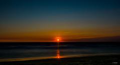 Ocaso. (Juan J Martinez.) Tags: mar tarifa sol ocaso atardecer d7100 sigma1020 playa