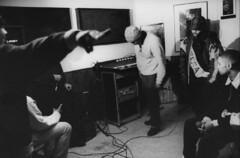 44 NANTES un groupe de RAP au Centre social Henri Vallon en 1990 . (memoire2cite121) Tags: audiovisualappliance bonnet cap casquette equipementsocial groupofpeople groupe homme18à25ans maghrébin man18to25years matérielaudiovisuel musician musicien nofaces northafricanarab rap socialfacilities typehumainblanc whitepeople