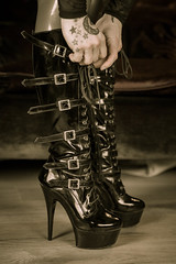 These boots.... (René Maly) Tags: renémaly pleaser highheels shoes boots