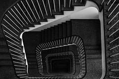 Salt 'n' Pepa (michael_hamburg69) Tags: hamburg germany deutschland photowalkmitelbmaedchen unterwegsmitjutta treppe stairs 50s 50erjahre treppenhaus salzpfeffer muster pattern saltandpepper nichtöffentlichzugänglich dienettepförtnerin