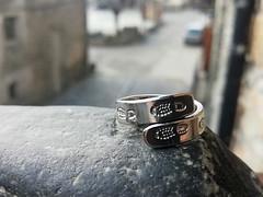 anillo inox hecho con punzon personalizado omella