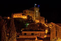 Castello di Rosignano Marittimo di notte / Castle of Rosignano Marittimo at night (Eugenio GV Costa) Tags: livorno notte castles castello night toscana outside mosignanomarittimo